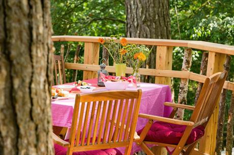 treelounge-baumhaus-veranda